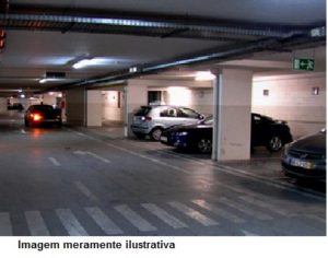 assalto dentro de estacionamento de supermercado